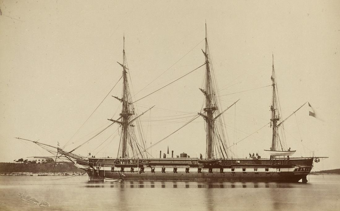 """Fregatte """"Novara"""" in den 1870er Jahren in Pola"""